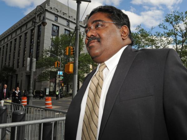 Raj Rajaratnam, billionaire co- founder of Galleon Group, enters Manhattan federal court, Wednesday, May 11, 2011