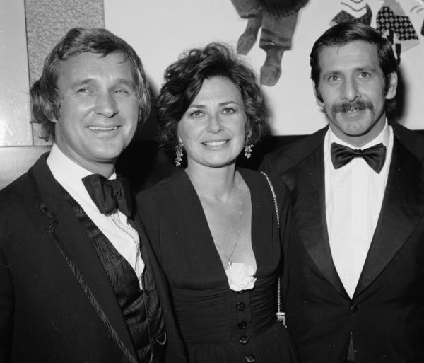 Jewison (left) in 1971, at the premiere of <em>Fiddler on the Roof</em> in London. He's joined by the film's stars, Norma Crane (center) and Topol.