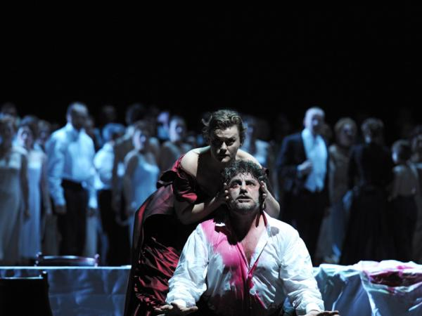A new production of <em>Samson et Dalila</em> premieres at <em>Deutsche Oper</em> by Patrick Kinmonth. This is the last premiere of the season.