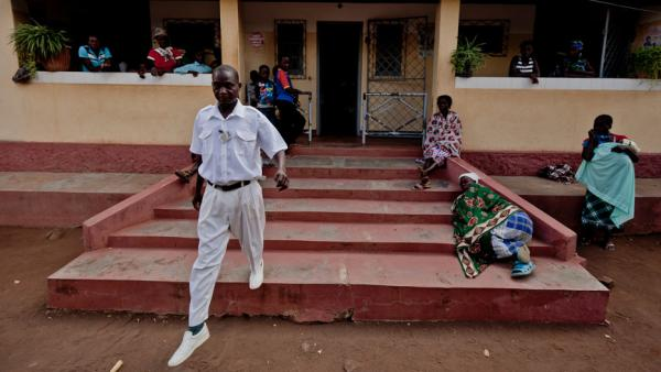 Asseado Torcida is a health technician who oversees the clinic in Marara, Mozambique. Torcida used to struggle to keep up with the needs of HIV-positive patients, but says that his workload has been dramatically reduced thanks to patient groups.