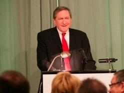 Richard C. Holbrooke speaking at the American Academy in Berlin in May 2009