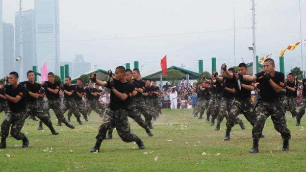 Stonecutters Island army base in Hong Kong opens to the public once a year as a goodwill gesture. Displays include kung fu demonstrations and shows of knife-fighting skills.