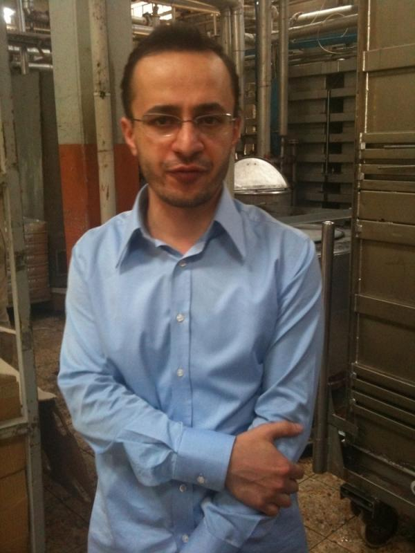 Mustapha Mutafugulu, who runs a textile factory in Gaziantep, Turkey, says the economic situation in Aleppo, Syria, is difficult.