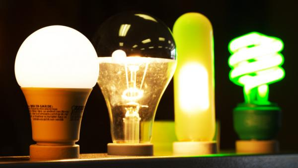 With a January 2012 deadline looming on a U.S. law mandating energy efficiency standards for light bulbs, some political forces don't want to turn out the lights.