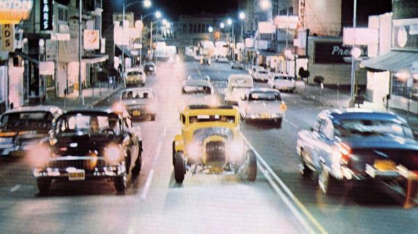 <strong>Cruising on Main Street: </strong>A scene from George Lucas's 1973 film <em>American Graffiti.</em>