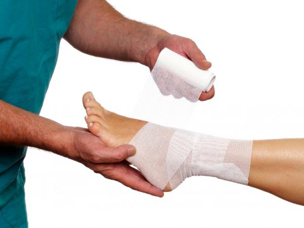 In 2009,  more than 30 percent of ER  visits for lower limb injuries came from sprains and strains, a study found.