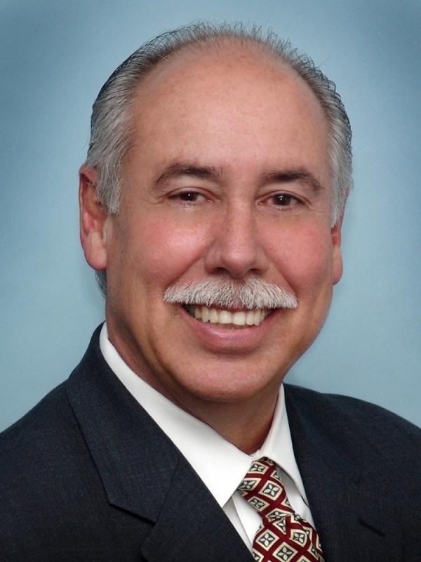 Oliver Ruiz is a managing broker of Fortune International Realty in Florida.