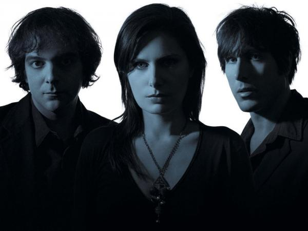 Ivy's new album is <em>All Hours</em>. Left to right: Adam Schlesinger, Dominique Durand, Andy Chase.