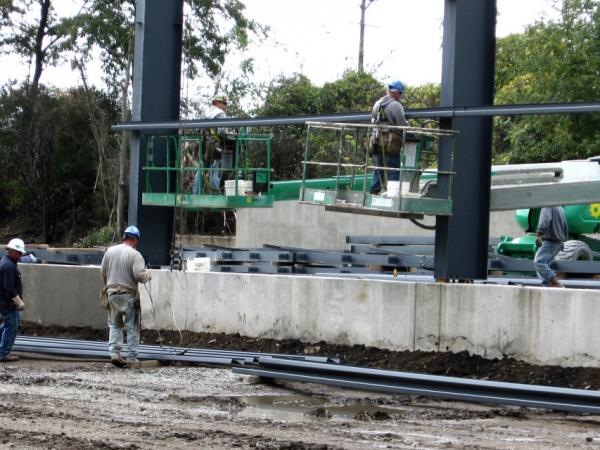 <p> Chapman Corp. is expanding to take advantage of extra business it expects to get in coming decades because of increasing production in the Marcellus Shale play. </p>