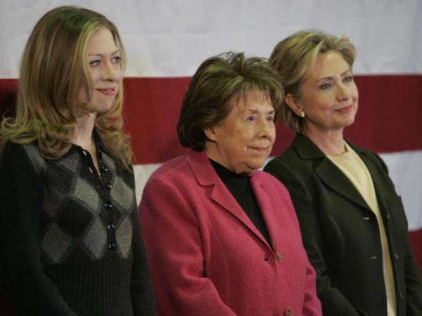 <p>Dorothy Rodham (center) with her daughter Hillary and granddaughter Chelsea at a January 2008 campaign event in Iowa.</p>