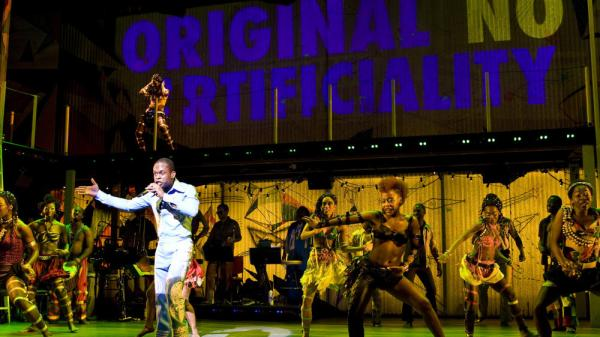<p>Sahr Ngaujah as Fela Kuti and the Broadway cast of <em>FELA!</em><em> </em></p>