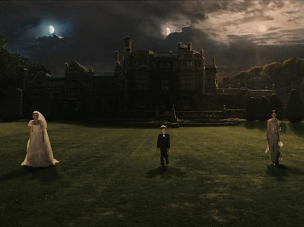 Kirsten Dunst's well-planned wedding takes place as a planet called Melancholia heads directly towards Earth.
