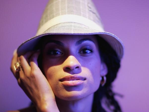 R&B artist Goapele