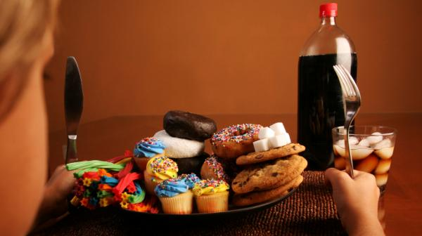 "In the Packard Pediatric Weight Control Program, kids learn that some foods, like cookies, cupcakes and soda, are ""red lights"" and shouldn't be eaten frequently."