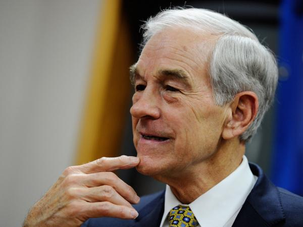 Republican presidential candidate Rep. Ron Paul spoke at a town hall meeting at the Erickson Public Library in Boone, Iowa on Thursday before a university rally.