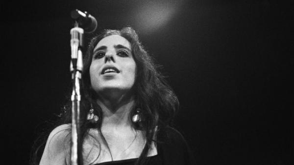 Laura Nyro performs at the Monterey Pop Festival in 1967.