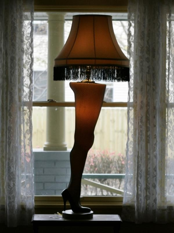 The lamp featured in <em>A Christmas Story </em>still stands in the Cleveland home used in the shooting of classic holiday movie.
