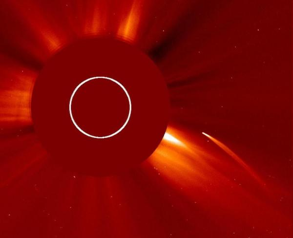 The comet C/2011 N3 (SOHO) diving toward the sun in July 2011.