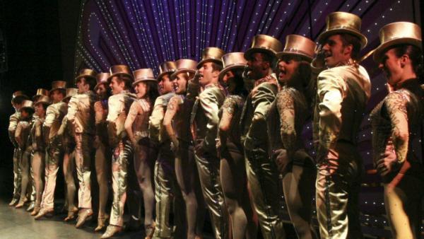 The cast of the 2006 revival of <em>A Chorus Line</em>.
