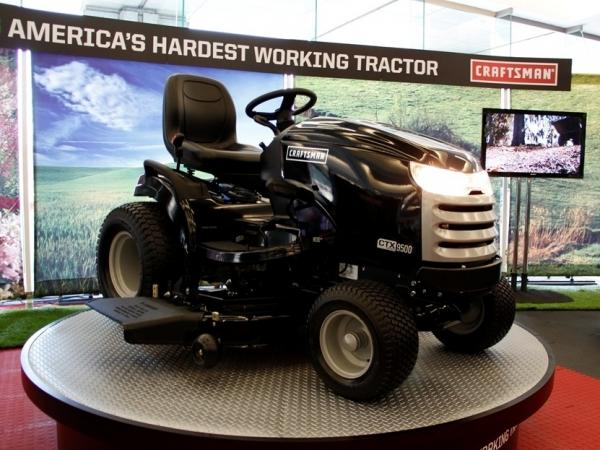 Craftsman's CTX tractor series is the first to be featured at the Detroit Auto Show. The newly unveiled line is equipped with many automobile-inspired features, including cup holders.