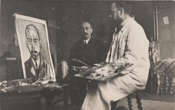 <p>Henri Matisse works on a portrait of Michael Stein in 1916.</p>