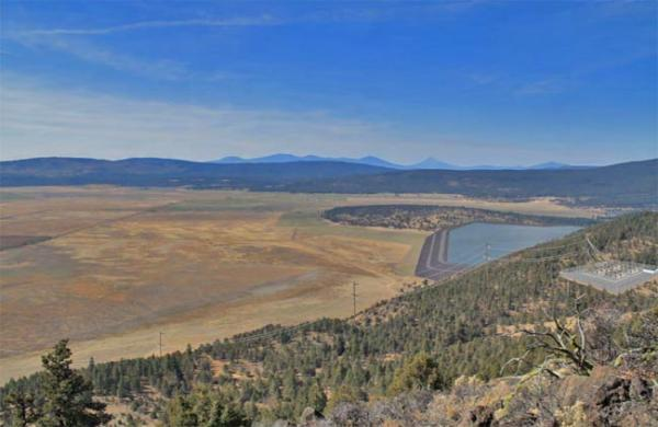 Artist's rendition of upper and lower reservoir of Swan Lake Pumped Storage Project northeast of Klamath Falls, Ore. Image courtesy of Riverbank Power