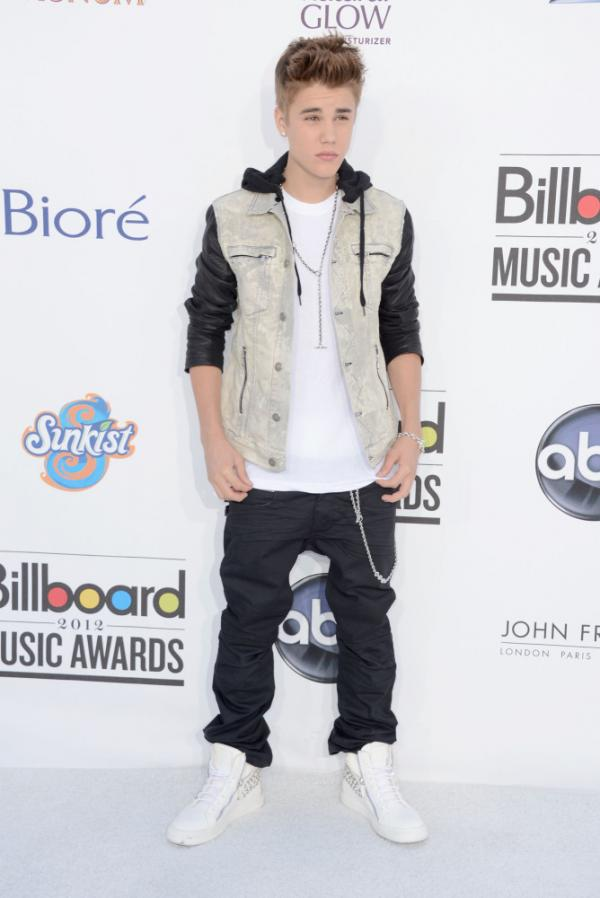 Singer Justin Bieber arrives at the 2012 Billboard Music Awards held Sunday night.