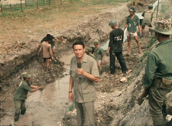 During a short stint reporting from Vietnam in 1967, Wallace broadcast from the trenches.