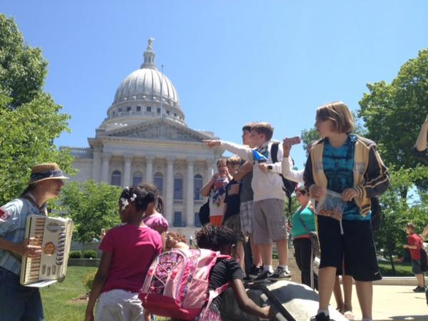 Fourth graders from Wauwatosa on field trip get lesson in democracy at the state Capitol in Madison.