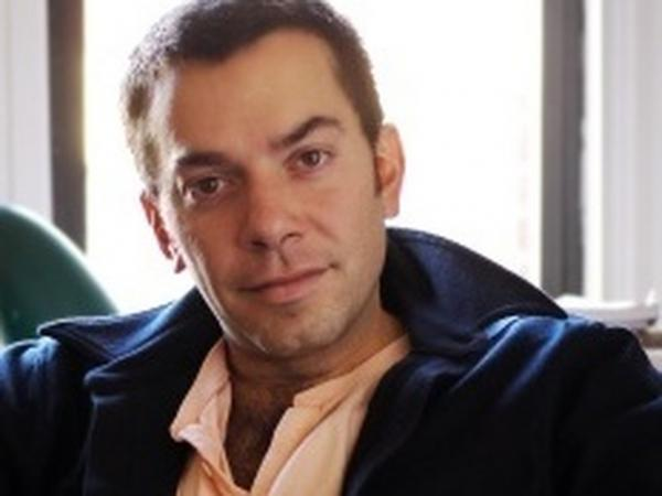 Geoffrey Gray has written for the <em>Village Voice, The New York Times</em> and<em> New York Magazine. </em>