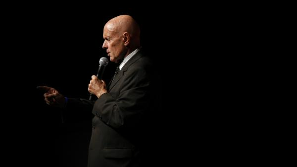 Stephen Covey speaks to students at the National Auditorium in Mexico City in September 2008. Covey's <em>The 7 Habits of Highly Effective People</em> has sold more than 25 million copies worldwide. Covey died Monday. He was 79.
