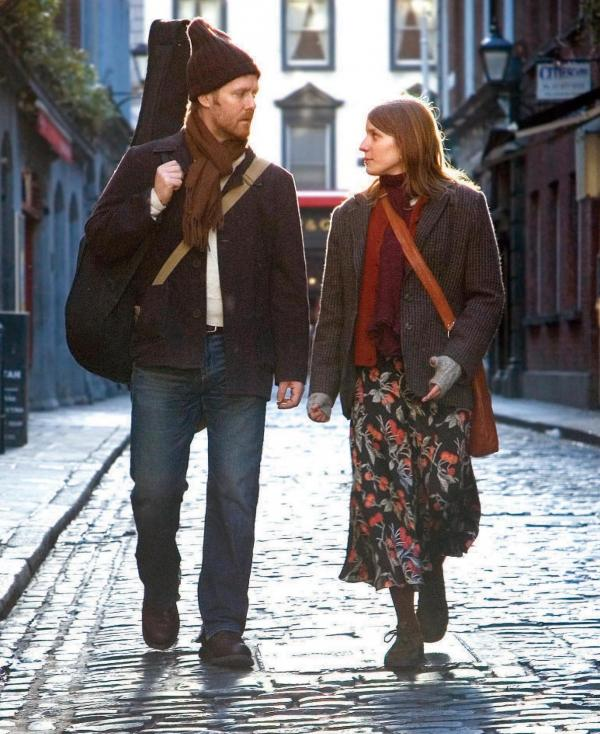 Glen Hansard and Marketa Irglova in <em>Once</em>.