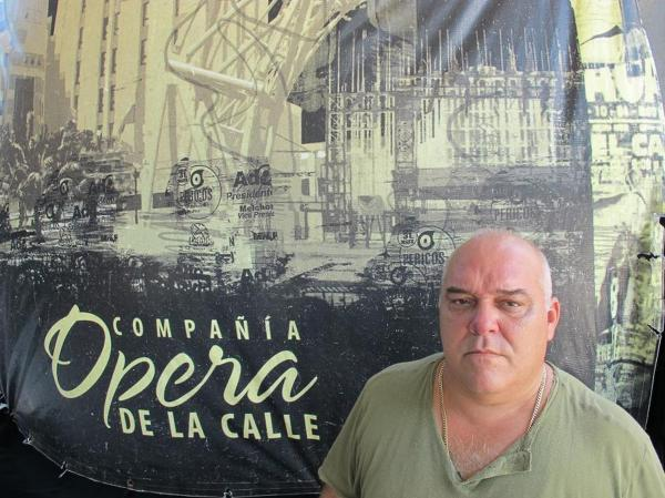 Ulises Aquino, a prominent Cuban singer, is the owner of the caberat and restaurant. He describes himself as a strong supporter of Cuba's socialist system and split the earnings among his 130 employees.