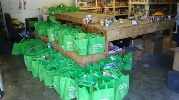 Cool green bags of food for the hungry from A Simple Gesture.