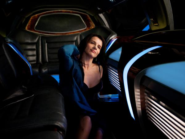 Didi Fancher (Juliette Binoche) is just one of the many characters who conference with Eric Packer in his limo.