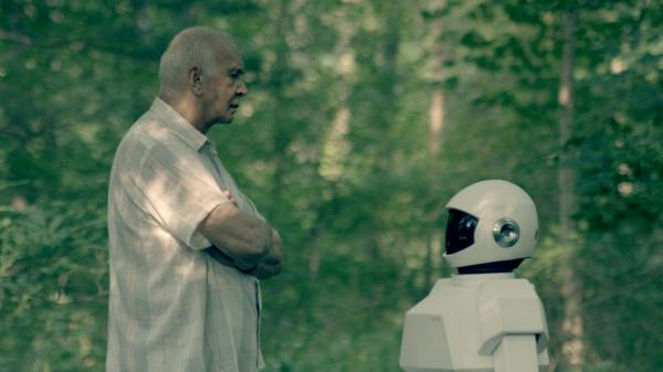 Frank (Frank Langella) develops a strong bond with his new caretaker robot (voiced by Peter Sarsgaard), whom he teaches to pick locks.