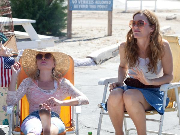Bonnie (Kate Bosworth) and Lily's mother, Margaret (Leslie Mann), soak up the rays in the ravaged landscape where <em>Little Birds</em> finds its setting.