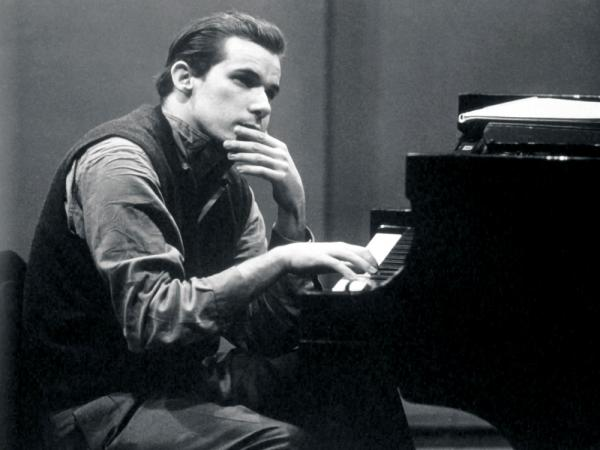 Glenn Gould's 1955 recording of Bach's <em>Goldberg Variations</em> instantly launched his international career.