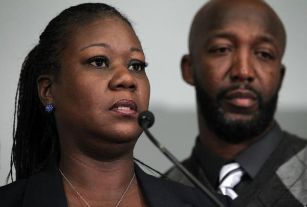 Sybrina Fulton and Tracy Martin, the parents of Trayvon Martin, who was killed by neighborhood watch volunteer George Zimmerman, spoke at a a news conference in Washington Wednesday. In Florida, Zimmerman has been arrested and charged with second-degree murder.