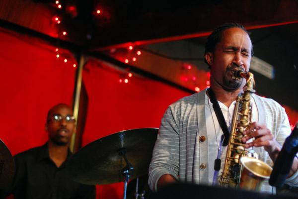 Saxophonist Wade Dean led a quintet in the very first set of the Center City Jazz Festival, featuring Anwar Marshall on drums.