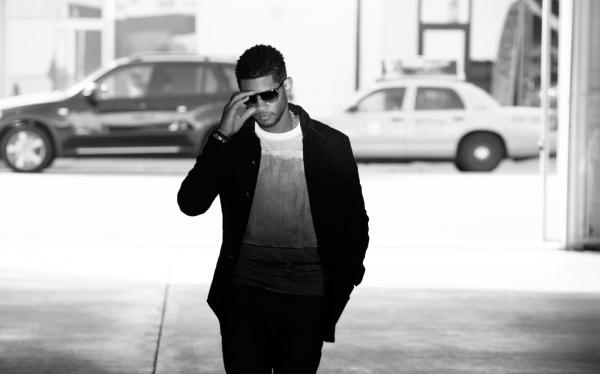 On <em>Looking 4 Myself</em>, Usher's seventh studio album, the singer works with producers to cloak classic R&B in cutting-edge sounds.