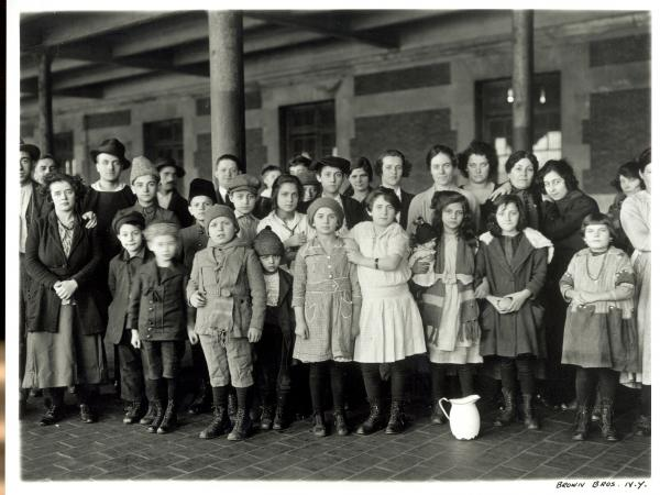 Wong Lan Fong, like many Chinese immigrants, came through Angel Island in California. Here, immigrant children pose for a photo at Ellis Island.