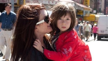 Julianne Moore and Onata Aprile star in <em>What Maisie Knew</em>.
