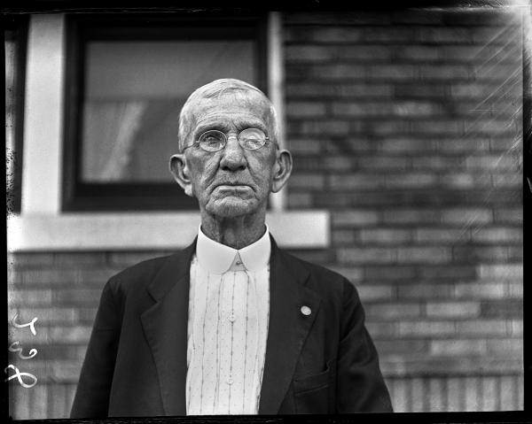 Civil War veteran Lee Graham served three years in the Union Army. He was recognized by the <em>State Journal</em> when it published his picture on his 84th birthday in July 1929.