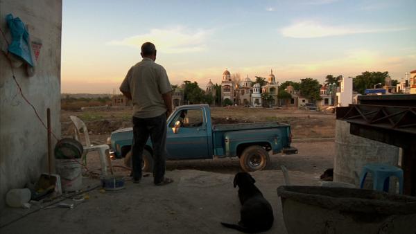 A scene from <em>El Velador</em>.