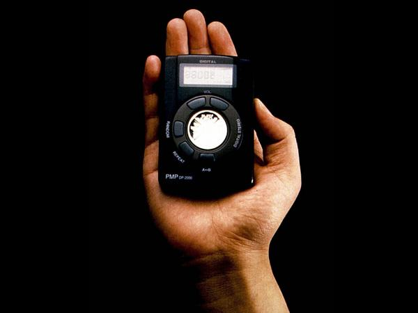 <strong>The Hardware:</strong> The Rio, a portable MP3 player introduced by Diamond Multimedia in 1998, had 32MB of internal memory, just about enough to hold one 35-minute album of MP3s encoded at 128 kBps.