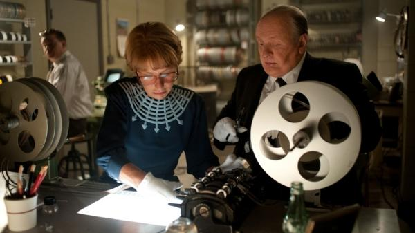Alfred Hitchcock (Anthony Hopkins) and his wife, Alma Reville (Helen Mirren), work together to produce <em>Psycho</em>.