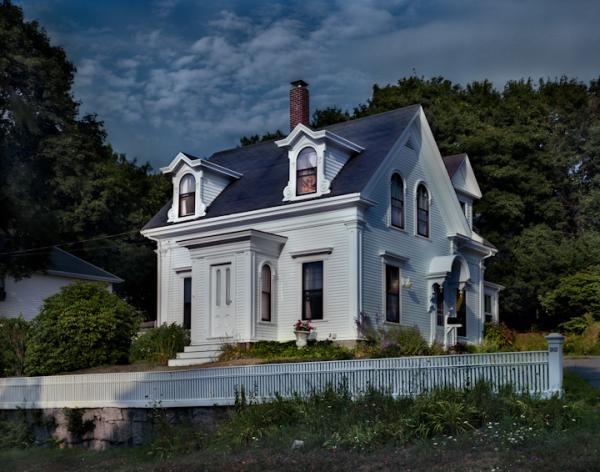 <em>Hodgkins House</em>