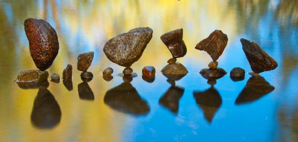 Stone balance art by Gravity Glue.