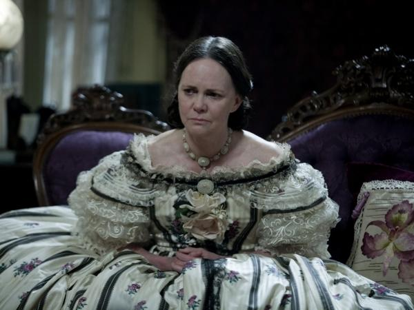 To prepare for her role in <em>Lincoln, </em>Sally Field traveled and researched Mary Todd Lincoln, and even put on 25 pounds.